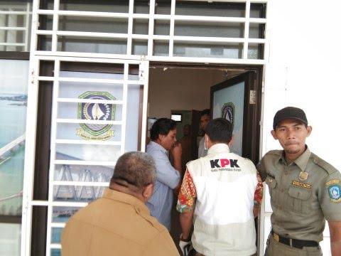 Photo of KPK Geledah Kantor Dinas PU dan Disdik Kepri