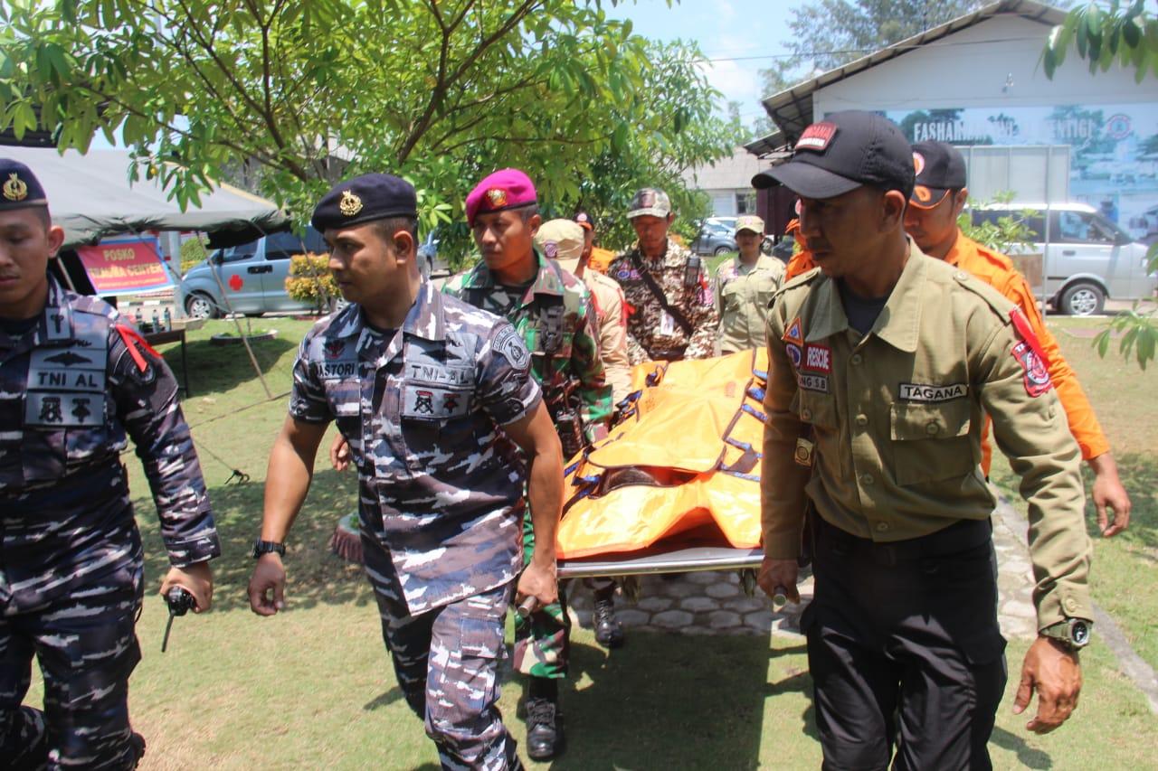 Photo of LANTAMAL IV Tanjungpinang Gelar Latihan SAR Pencarian dan Pertolongan Dilaut.