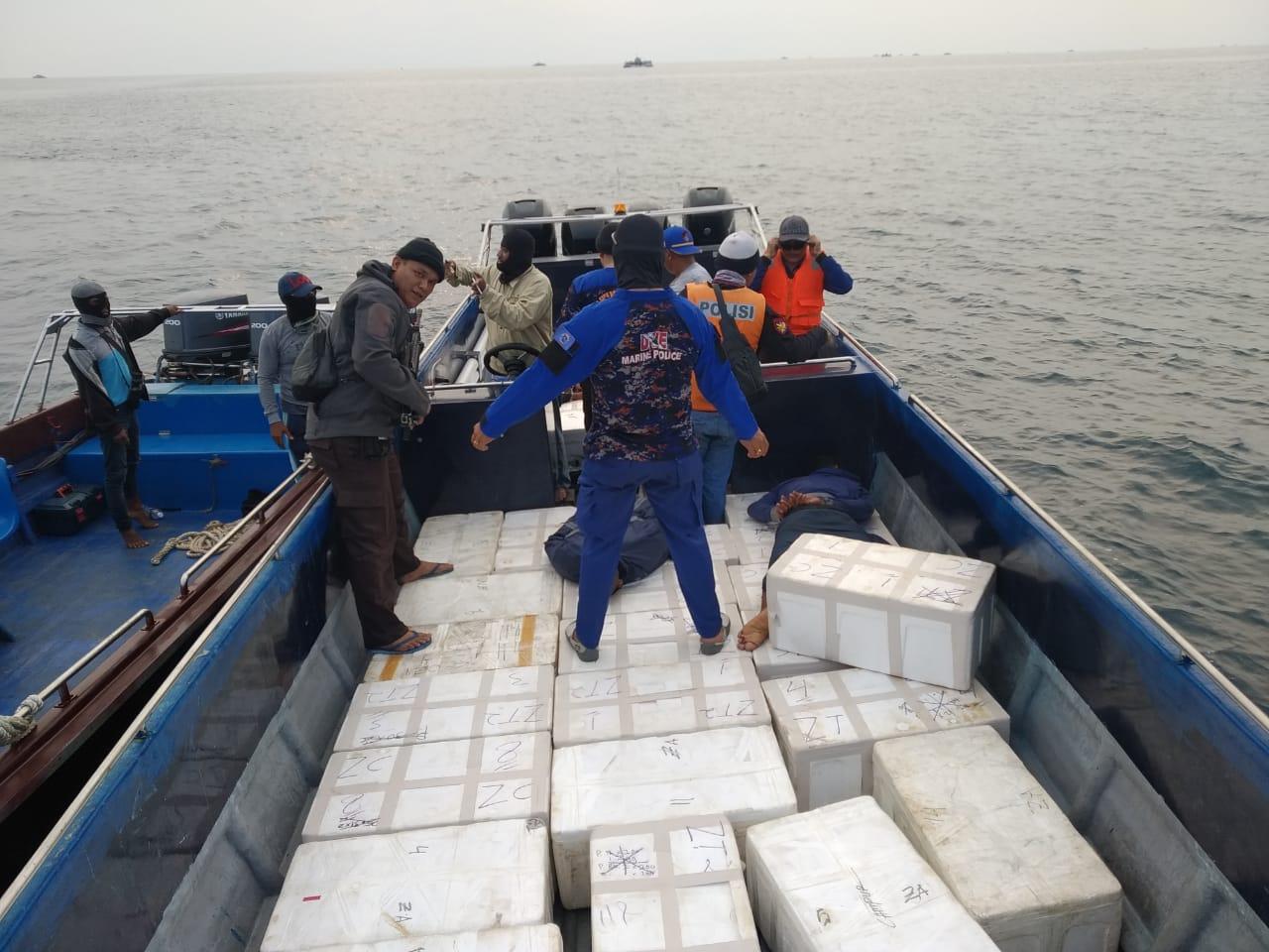 Photo of Ditpolair Polda Kepri Gagalkan Penyeludupan Benih Lobster Senilai 33 Milyard