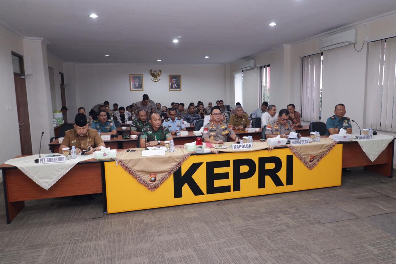 Photo of Polda Kepri Gelar Rakor Kesiapan Pengamanan Menyambut Tahun Baru 2020