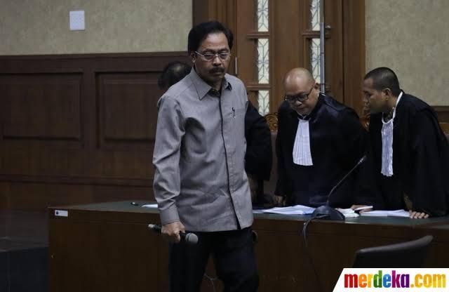 Photo of Kadis PUPR Kepri Abu Bakar Memberikan Gratifikasi Fee Proyek kepada Nurdin Basirun Miliaran Rupiah