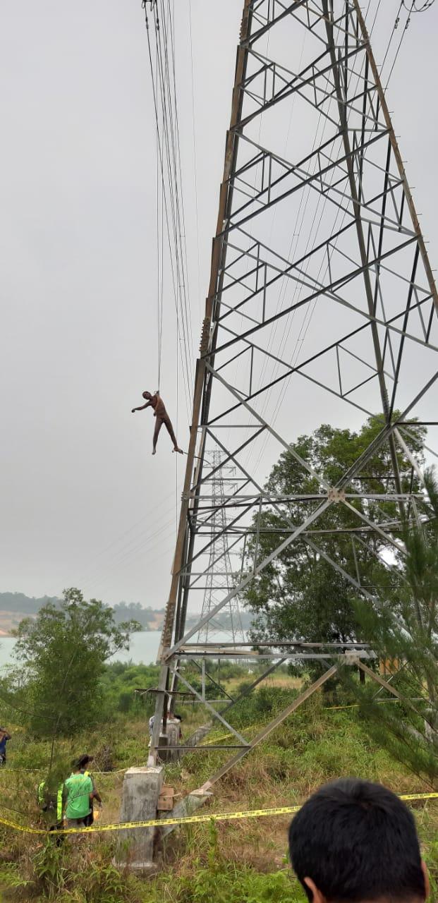 Photo of Lelaki Yang Tewas Diatas Tower Sutet Ternyata Seorang Yang Mengalami Gangguan Jiwa