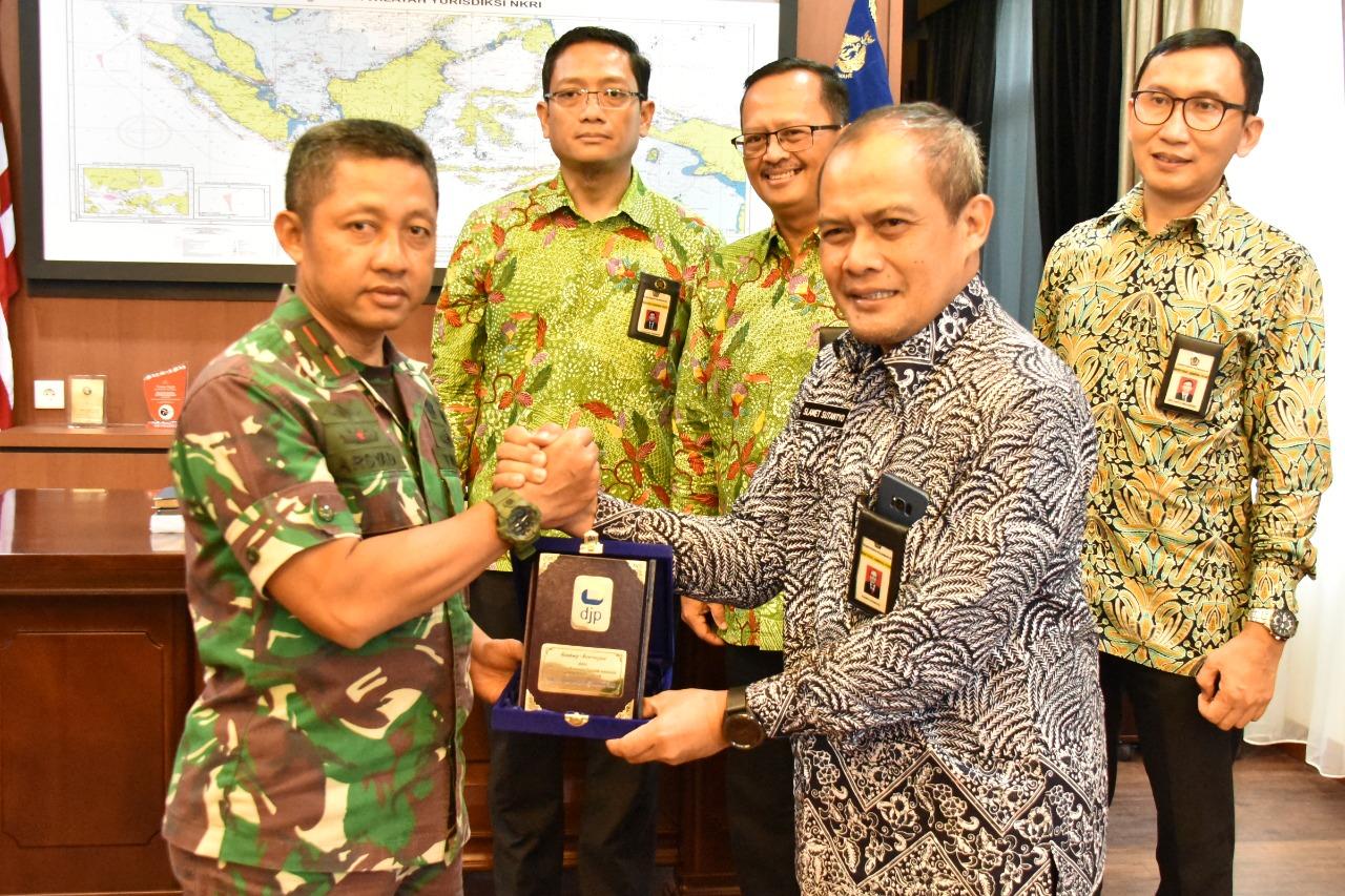 Photo of Danlantamal IV Tanjungpinang Ikut Mengkampanyekan Pembayaran Wajib Pajak Melalui E-Filing