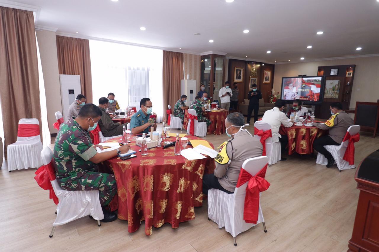 Photo of Rakor Gugus Tugas Penanganan Covid – 19 Provinsi Kepri Dilaksanakan Di Ruangan Kerja Kapolda Kepri