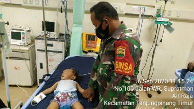 Photo of Orangtua Tak Miliki BPJS dan Uang Untuk Berobat, Babinsa Tg. Unggat Koramil 01/0315 Bintan Gerak Cepat Antar Nurdella Ke RSUP RAT Tanjungpinang