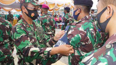 Photo of Danlantamal IV Tanjungpinang Canangkan Kampung Bahari Nusantara Sekaligus Mengukuhkan Babinpotmal Lantamal IV
