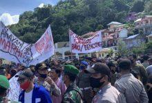 Photo of Nelayan Anambas Melakukan Demo Memprotes Kapal Cantrang Yang Beroperasi Di Wilayah Laut Anambas